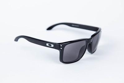 Oakley-2