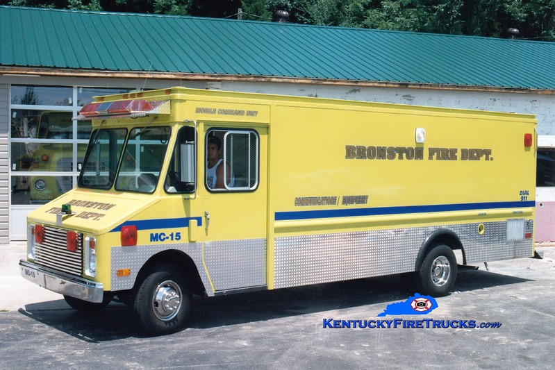 <center> RETIRED <br> Bronston Mobile Command 15 <br> 1989 GMC Step Van <br> Greg Stapleton photo </center>