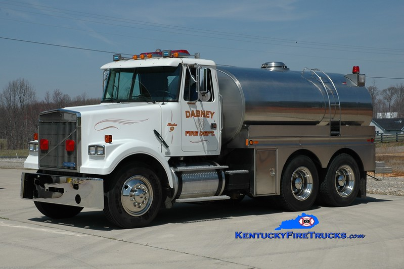 <center> Dabney  Tanker 9 <br> 1993 White-GMC/Bluegrass  250/2500 <br> Greg Stapleton photo <br> </center>