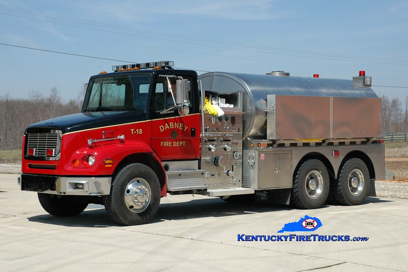 <center> Dabney  Tanker 18 <br> 2001 Freightliner FL112/2012 Bluegrass  1500/2600 <br> Greg Stapleton photo <br> </center>