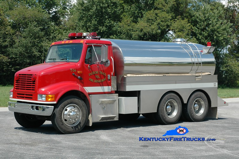 <center> Faubush Tri-County  Tanker 34 <br> 1996 International 8100/Bluegrass 250/2600  <br> Greg Stapleton photo <br> </center>