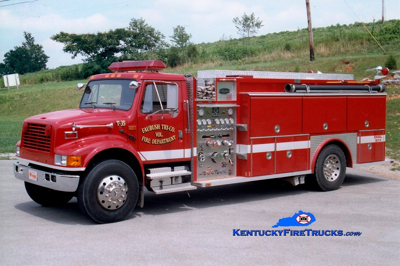 <center> Faubush Tri-County  Tanker 35 <br> 1992 International 4900/Allegheny 1000/1500 <br> Greg Stapleton photo <br> </center>