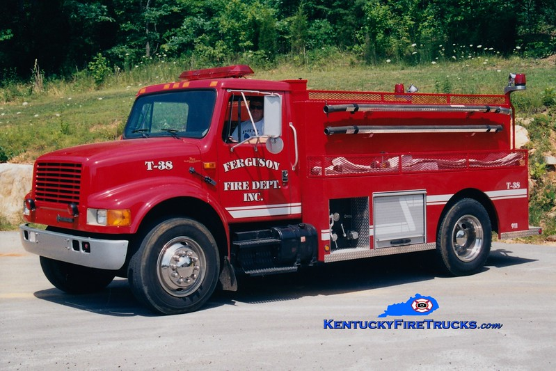 <center> Ferguson Tanker 38 <br> *Original <br> 1993 International 4900/Wynn 400/1900 <br> Greg Stapleton photo </center>