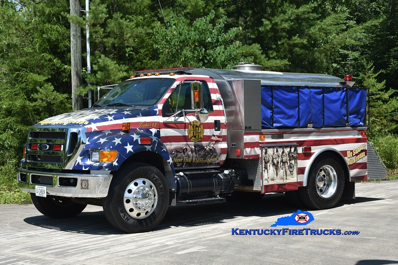 Haynes Knob Tanker 17 <br /> 2016 Ford F-750/1986 4 Guys 250/1800<br /> Greg Stapleton photo