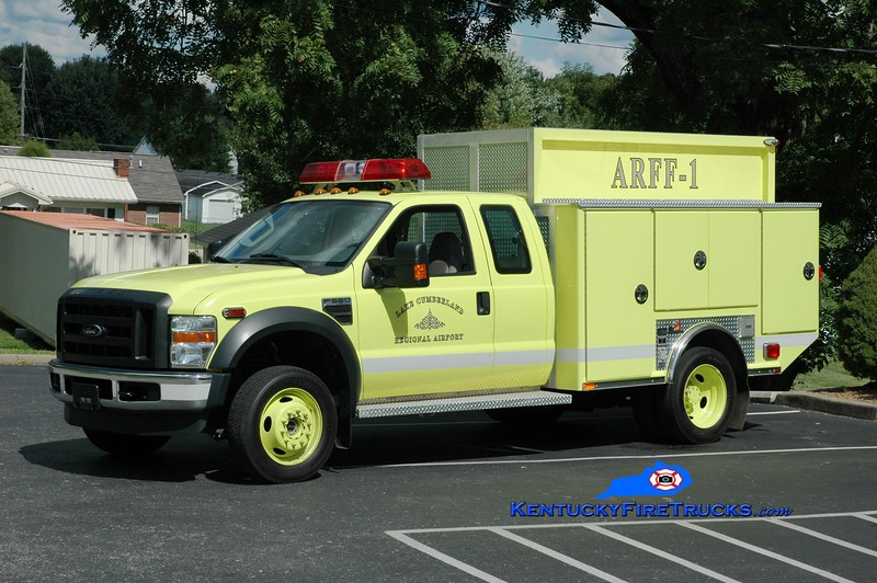 <center> RETIRED <br> Lake Cumberland Regional Airport  ARFF 1 <br> 2008 Ford F-550 4x4/Ferrara Twin Agent  <br> Greg Stapleton photo </center>