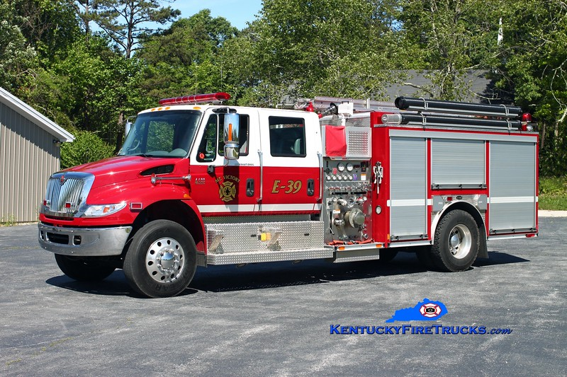 <center> Mt Victory  Engine 39 <br> 2007 International 4400/E-One 1250/1000 <br> Kent Parrish photo </center>