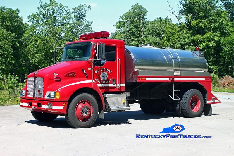<center> Mt Victory  Tanker 201 <br> 2005 Kenworth T-300/Walker 0/2000 <br> Kent Parrish photo </center>
