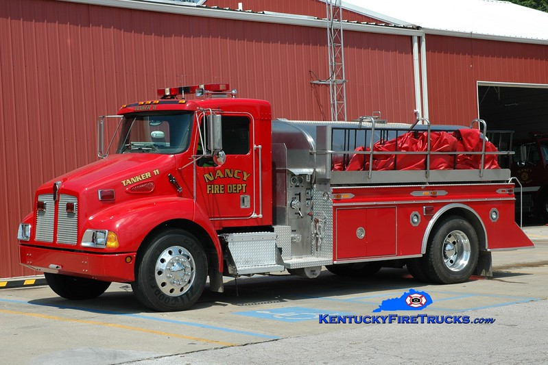 <center> Nancy  Tanker 11 <br> 2000 Kenworth T-300/S&S 250/1800 <br> Greg Stapleton photo </center>