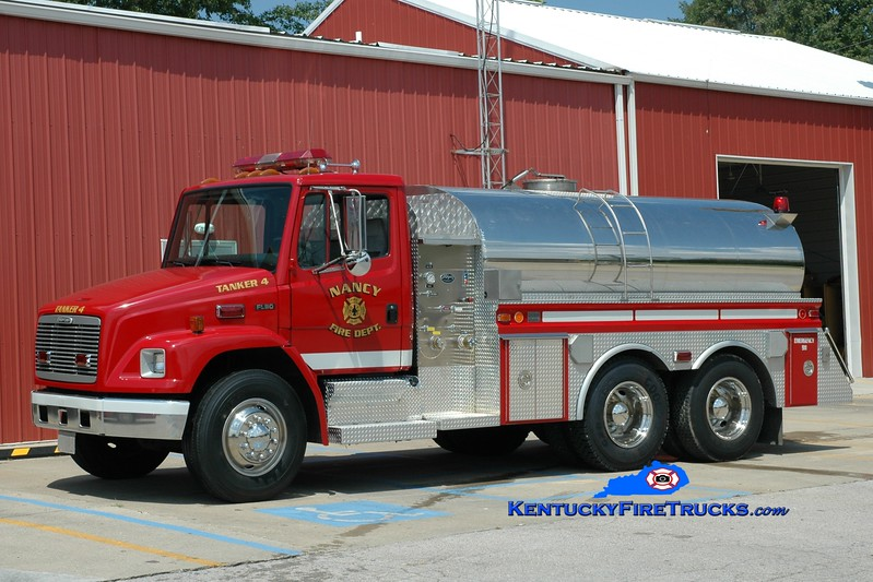 <center> Nancy  Tanker 4 <br> 1999 Freightliner FL80/4-Guys/Wynn 350/2200  <br> Greg Stapleton photo </center>