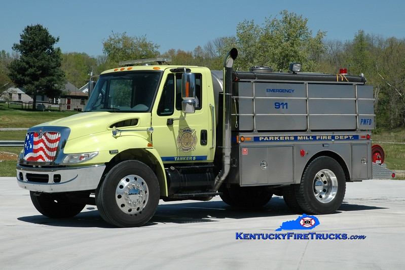 <center> REFURBISHED <BR> Parkers Mill  Tanker 5 <br> 2002 International 4400/1993 Bluegrass 250/1500 <br> Greg Stapleton photo </center>