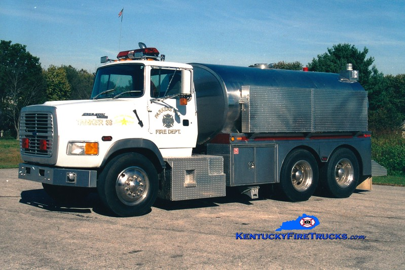 <center> RETIRED <br> Parkers Mill  Tanker 69 <br> 1993 Ford L9000/Bluegrass 250/2600 <br> Greg Stapleton photo </center>