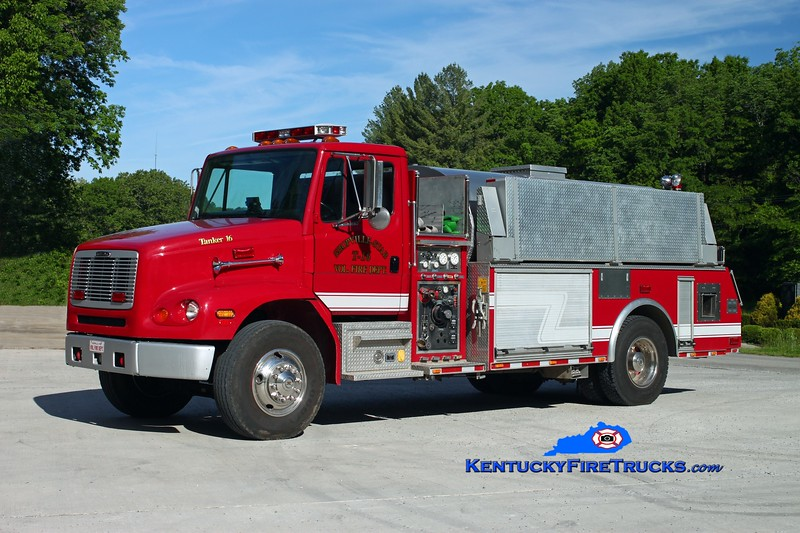 <center> Shopville-Stab  Tanker 16 <br> 1999 Freightliner FL112/Firecab 500/2000 <br> Kent Parrish photo </center>