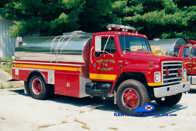 <center> RETIRED <BR> Shopville-Stab  Tanker 16 <br> 1980 International S/4 Guys 0/1800 <br> Greg Stapleton photo </center>
