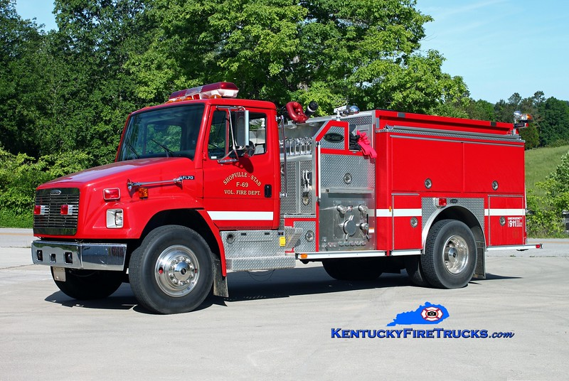 <center> Shopville-Stab  Engine 69 <br> 1997 Freightliner FL70/E-One 1250/1000 <br> Kent Parrish photo </center>