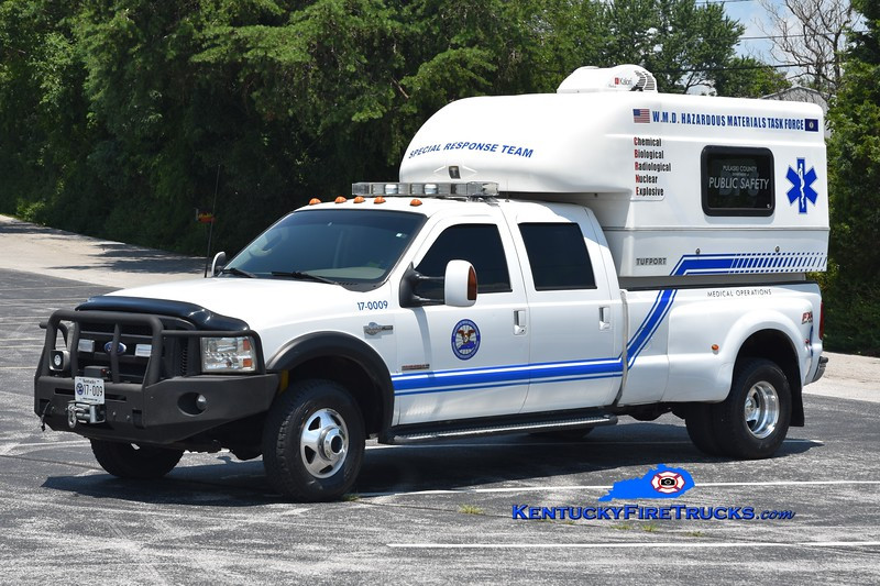 Somerset-Pulaski County Special Response Team  Unit 9<br /> 2002 Ford F-350/Tuffport Medical Support Unit   <br /> Greg Stapleton photo