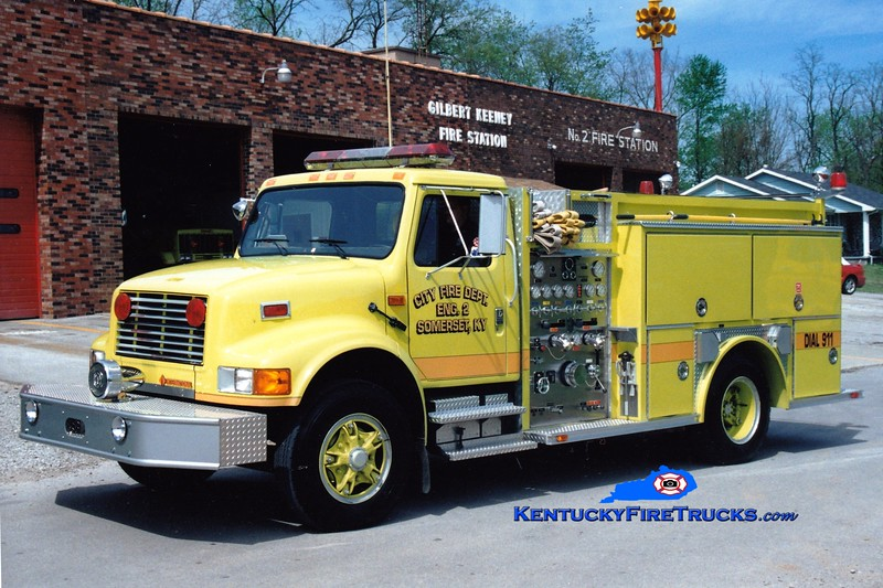 <center> RETIRED <br> Somerset  Engine 2 <br> 1993 International 4900/Allegheny 1000/500 <br> Greg Stapleton photo </center>