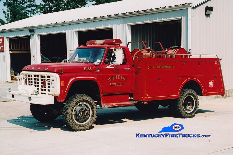 <center> RETIRED <br> White Lily  Engine 85 <br> 1976 Ford F 4x4/Reading 250/500 <br> Greg Stapleton photo </center>