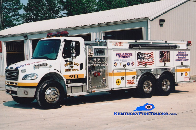 <center> White Lily  Tanker 7 <br> 2004 Freightliner M2-106/E-One 1250/3500 <br> Greg Stapleton photo </center>