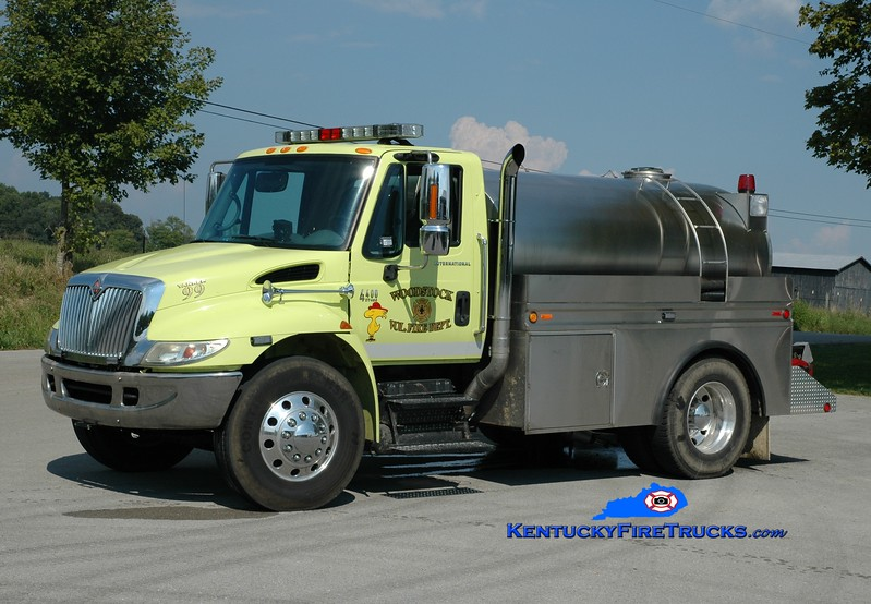 <center> Woodstock  Tanker 99 <br> 2002 International 4400/Bluegrass 250/1500 <br> Greg Stapleton photo </center>