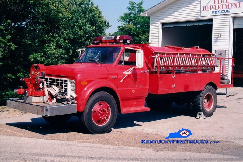 <center> RETIRED <br> Mt Olivet-Robertson County Engine 101  <br> 1971 GMC/Allegheny 500/1100 <br> Greg Stapleton photo </center>