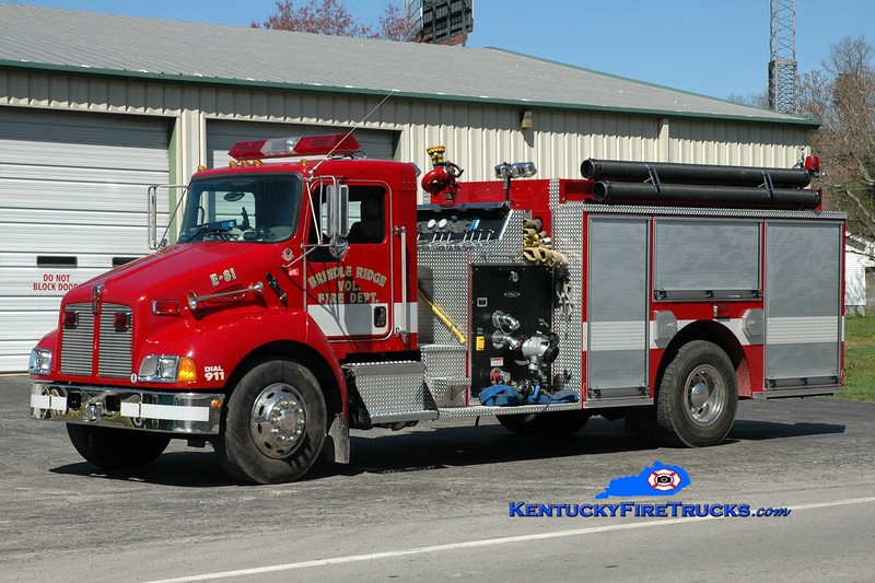<center> Brindle Ridge  Engine 81 <br> 2003 Kenworth T-300/Pierce 1250/1000 <br> Greg Stapleton photo <br> </center>