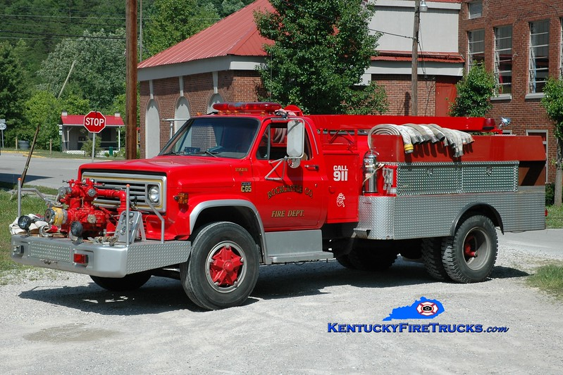 <center> RETIRED <br> Livingston  Engine 35 <br> x-Western Rockcastle, KY <br> 1974 Chevy/FD 750/1000 <br> Greg Stapleton photo <br> </center>