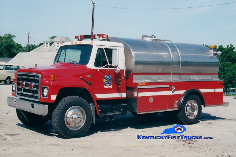 <center> Mount Vernon-Rockcastle County Tanker 614 <br> 1986 International S/Wynn 450/2000  <br> Greg Stapleton photo <br> </center>