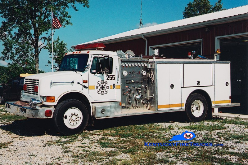 <center> Pongo  Engine 255 <br> x-White Lily, KY <br> 1992 International 4900/Custom Fire 1250/750 <br> Greg Stapleton photo <br> </center>