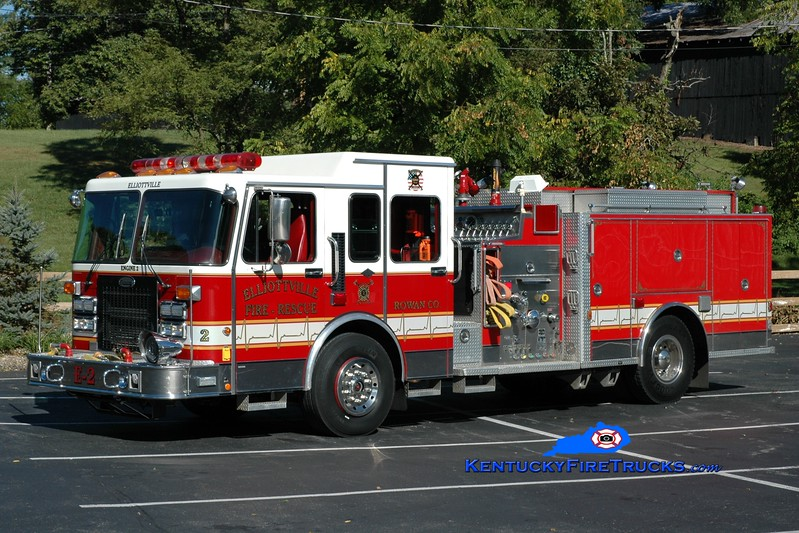 <center> Elliottville  Engine 2  <br> x-Long Hill, CT <br> 1995 Spartan/General Safety 1500/500/100<br> Greg Stapleton photo </center>