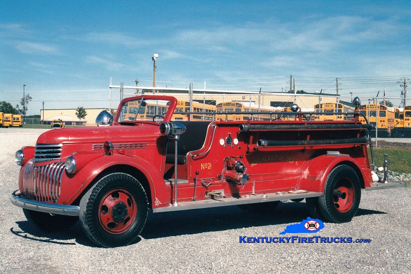 <center> Morehead  Antique  <br> 1941 Chevy/Oren 500/200 <br> Greg Stapleton photo </center>