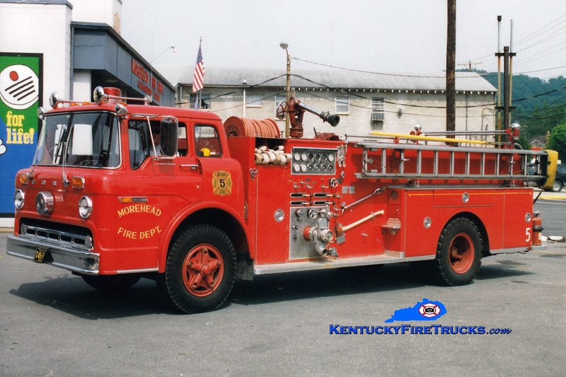 <center> RETIRED <br> Morehead  Engine 5  <br> 1975 Ford C/Sutphen 1000/500/Quad <br> Greg Stapleton photo </center>