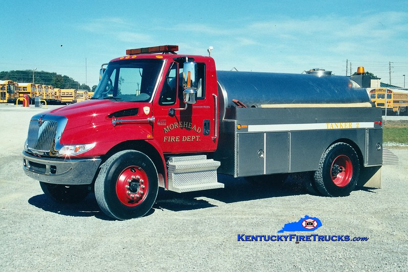 Morehead  Tanker 2<br /> 2002 International 4400/Bluegrass 250/1900<br /> Greg Stapleton photo