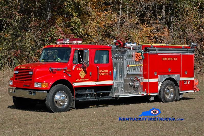 Route 377 Engine 3<br /> 2000 International 4900/E-One 1250/1000<br /> Greg Stapleton photo