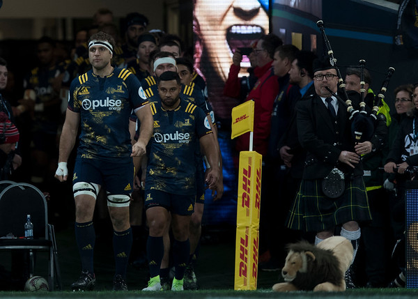 Luke Whitelock leads out Highlanders, during game 4 of the British and Irish Lions 2017 Tour of New Zealand,The match between  Highlanders and British and Irish Lions, Forsyth Barr Stadium, Dunedin, Tuesday 13th June 2017 (Photo by Kevin Booth Steve Haag Sports)  Images for social media must have consent from Steve Haag