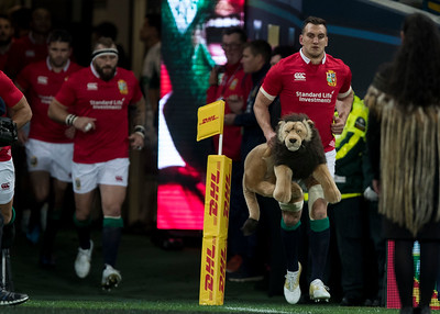 Sam Warburton leads Lions out, during game 4 of the British and Irish Lions 2017 Tour of New Zealand,The match between  Highlanders and British and Irish Lions, Forsyth Barr Stadium, Dunedin, Tuesday 13th June 2017 (Photo by Kevin Booth Steve Haag Sports)  Images for social media must have consent from Steve Haag