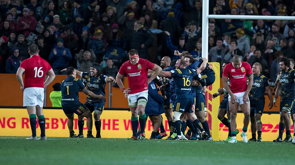 Highlanders win, during game 4 of the British and Irish Lions 2017 Tour of New Zealand,The match between  Highlanders and British and Irish Lions, Forsyth Barr Stadium, Dunedin, Tuesday 13th June 2017 (Photo by Kevin Booth Steve Haag Sports)  Images for social media must have consent from Steve Haag