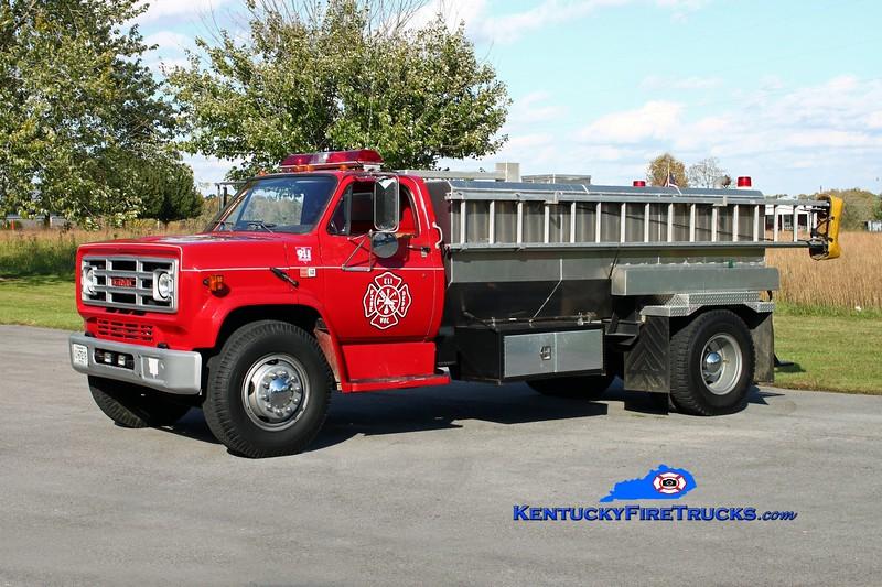 <center> Eli  Tanker 1 <br> 1978 GMC 7000/Local 250/2000  <br> Kent Parrish photo <br> </center>