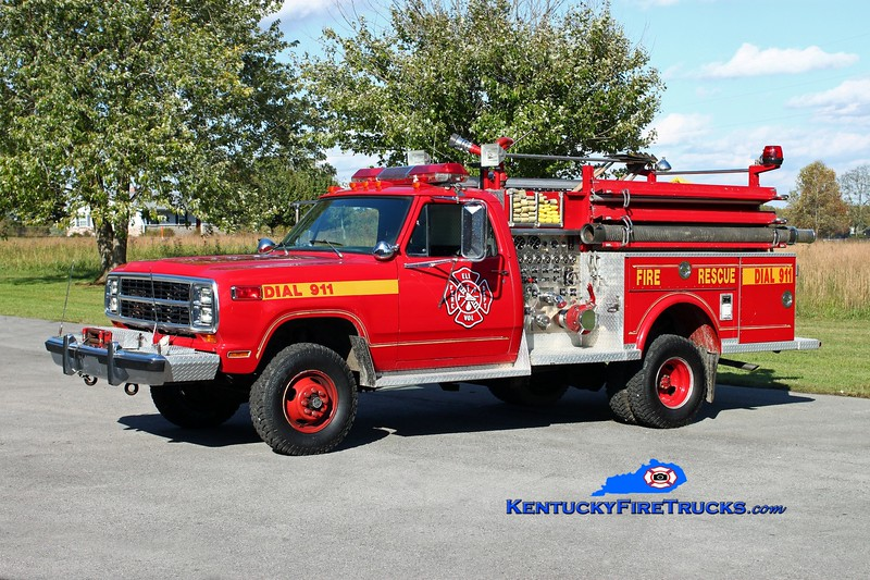 <center> Eli  Engine 5 <br> 1980 Dodge W400 4x4/Saulsbury 750/200 <br> Kent Parrish photo <br> </center>