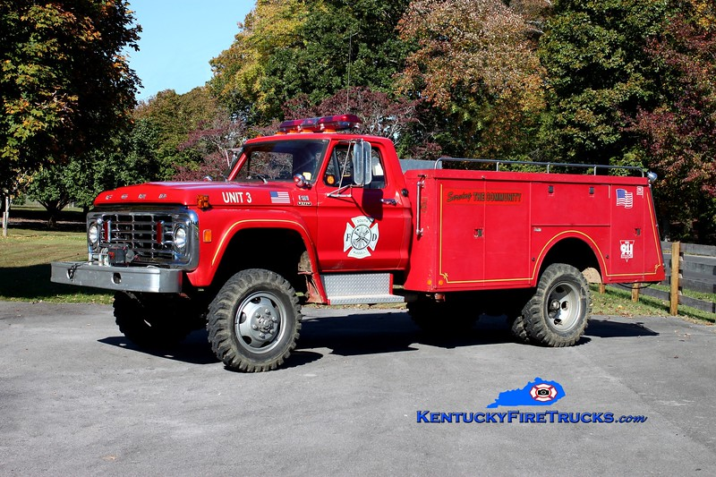 <center> South Russell  Brush 3 <br> x-White Lily, KY <br> 1975 Ford F-600 4x4/Reading/FD 250/500/25  <br> Kent Parrish photo </center>