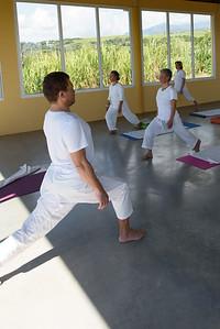 Cours d'Hatha Yoga dans la salle de Sainte-Suzanne