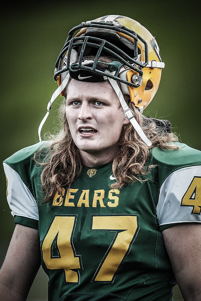 IMAGE: http://www.justsportsphotography.ca/Photos/Saskatoon-High-School-Football/2015/Saints-v-Bears/i-3VvBb8C/1/X2/saints%20v%20bears%20236-2-X2.jpg