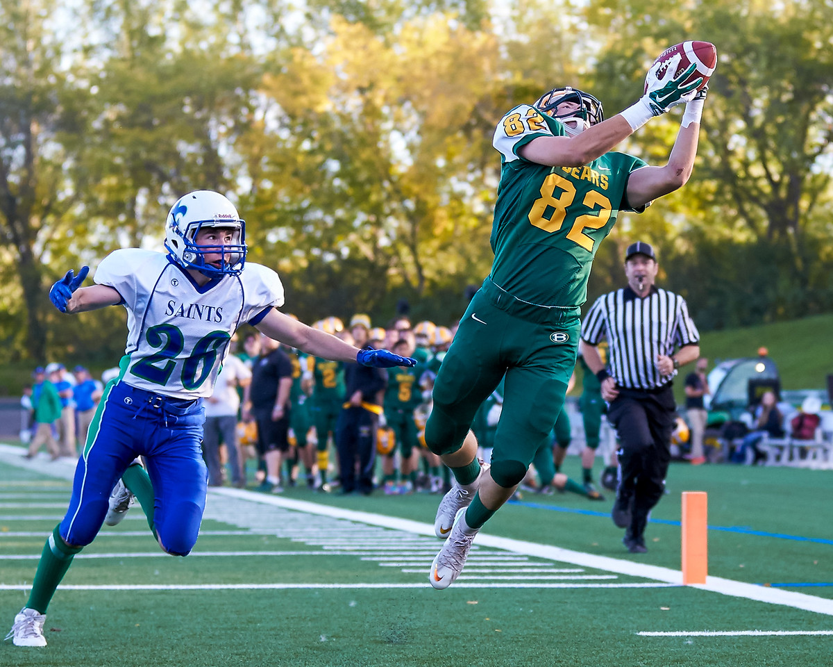 IMAGE: http://www.justsportsphotography.ca/Photos/Saskatoon-High-School-Football/2015/Saints-v-Bears/i-LKgJcbh/0/X2/saints%20v%20bears%20513-X2.jpg
