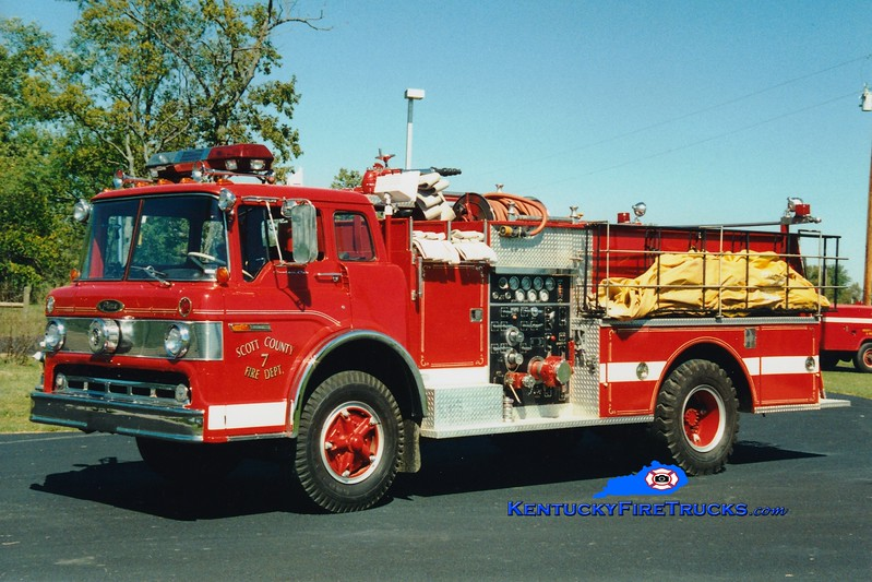 <center> RETIRED <br> Scott County  Engine 7  <br> 1972 Ford C-800/Pierce 1250/1000 <br> Greg Stapleton photo </center>