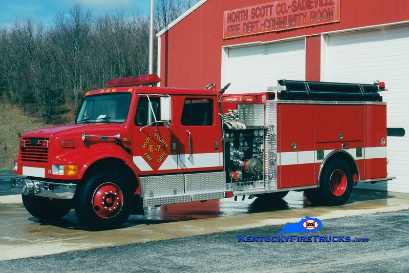 <center> RETIRED <br> Scott County  Engine 7  <br> 1999 International 4900/Pierce 1250/1000 <br> Greg Stapleton photo </center>