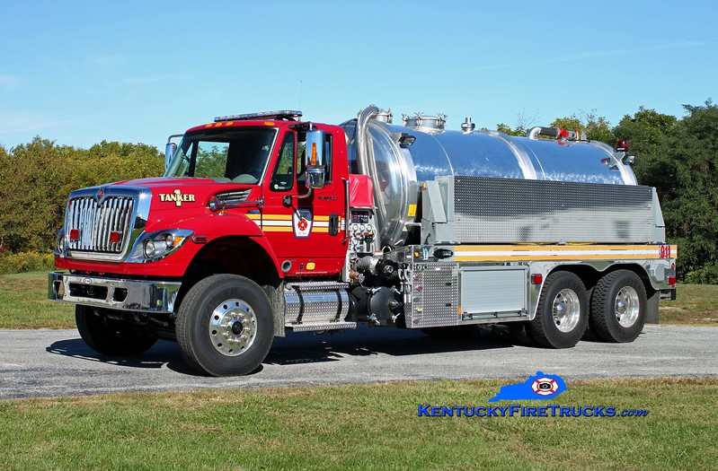 <center> Scott County  Tanker 1  <br> 2014 International 7400/E-One Water Master 1000/3500 <br> Kent Parrish photo </center>
