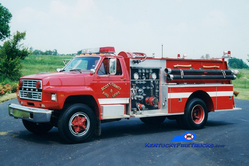 <center> RETIRED <br> Scott County  Engine 8  <br> 1983 Ford F-800/Pierce 1000/750 <br> Greg Stapleton photo </center>