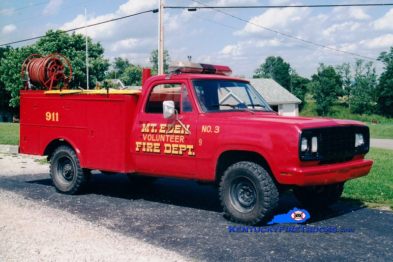 <center> RETIRED <br> Mt Eden  Engine 9971  <br> 1976 Dodge/Local 250/250 <br> Greg Stapleton photo </center>