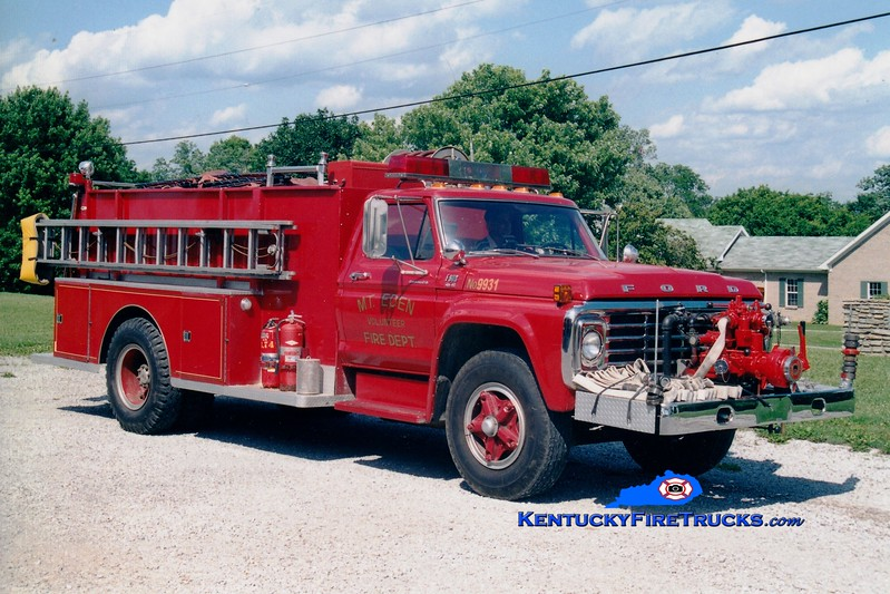 <center> RETIRED <br> Mt Eden  Engine 9933  <br> 1979 Ford/Darley 750/1000 <br> Greg Stapleton photo </center>