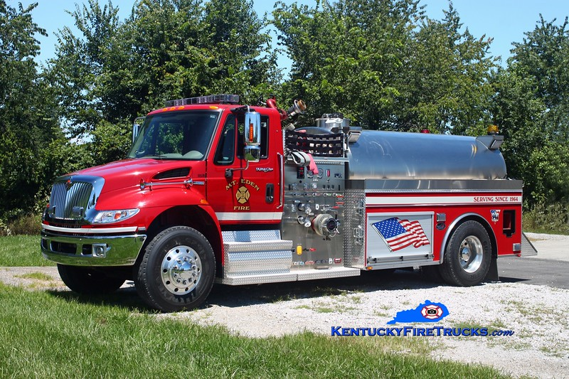 <center> RETIRED <br> Mt Eden  Tanker 9961  <br> 2009 International 4400/Bluegrass 750/2000 <br> Kent Parrish photo </center>