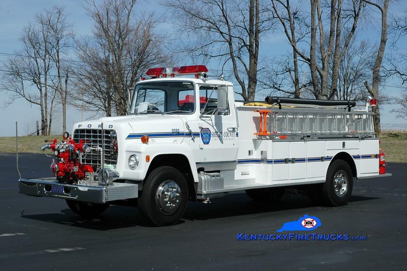 <center> Shelby County  Parade Engine 3323  <br> x-Engine 3326 <br> 1972 Ford L/Darley 750/800 <br> Greg Stapleton photo </center>
